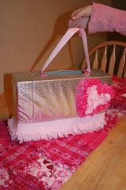 Shoe Box Decoration For Valentine S Day by Best 25 Valentine Box Ideas On Pinterest Valentine Boxes For