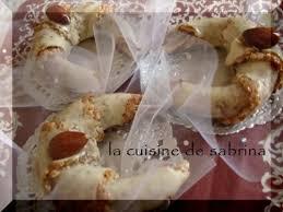 cuisine alg駻ienne gateaux recettes tchrek au miel gâteau algérien moderne aux amandes le mag