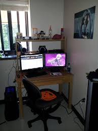 rate my dorm room out of 10 i swear this isn u0027t a pad thread