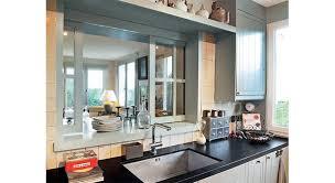 cuisine avec fenetre cuisine ouverte fenêtre et passe plats démonstration saints