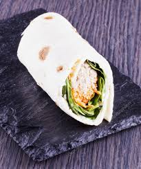 駑ission cuisine 卷与奎奴亚藜 沙拉和胡萝卜 图库照片 koufax73 99793894