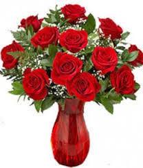 a dozen roses classic dozen roses in ruby vase 1 dozen roses in ruby