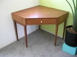 Corner Desk Table Desk Design Ideas Wooden Corner Desk Table Sle Amazing Awesome