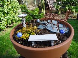 How To Build A Stump by How To Make A Miniature Garden That Bloomin U0027 Garden