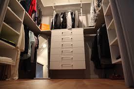 stanza guardaroba cassetto porta oggetti cassetto porta pantaloni appendini led