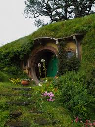 hobbit houses 13 hobbit houses you won t believe that people images about hobbiton on pinterest new zealand hobbit houses and the shires house inspiration pinter