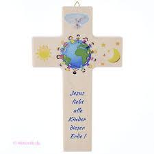 kreuz für kinderzimmer kinderkreuz zur taufe oder kommunion kreuz jesus liebt alle kinder