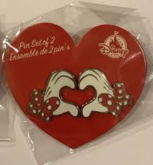 minnie mouse s day disney 2018 minnie mouse heart gloves s day pin set ebay