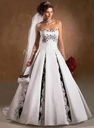 robe de mari e noir et blanc robe de mariée noir et blanc http www modanie fr a ligne bustier