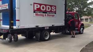 how pods delivers and picks up their