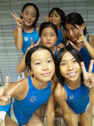 女子小中学生 水泳|2年生女子 選手チーム仲良しパワーで、リレーも個人種目も頑張ります(*^_^*)