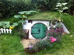 hobbit hole landscaper creates bedfordshire hobbit hole based on j r r