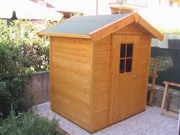 costruzione casette in legno da giardino guida al montaggio di una casetta in legno per il giardino