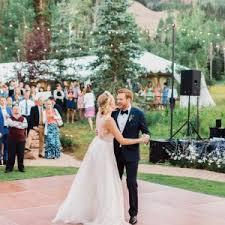 casual wedding ideas 25 casual wedding ideas for relaxed brides bridalguide