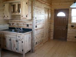 Interior Log Home Pictures by Best 25 Small Cabin Interiors Ideas On Pinterest Small Cabin