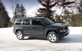 jeep stalling nhtsa investigates 2011 2012 jeep patriot for stalling while
