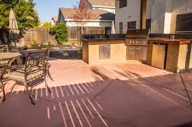 outdoor kitchens in landscaping custom outdoor kitchen