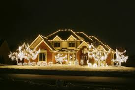 Christmas Lights On House by Attractive And Creative Christmas String Lights Ideas For Outdoor