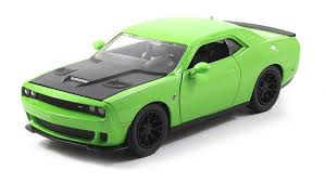 2015 dodge srt hellcat challenger amazon com 2015 dodge challenger srt hellcat green 1 24 by