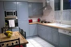 relooker une cuisine rustique en moderne gallery of renover cuisine cuisine plans travail en relooker cuisine