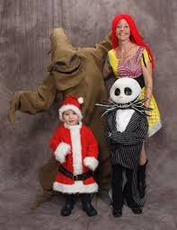 the nightmare before family costume this is awesome