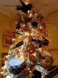 black and gold decorations decorating of