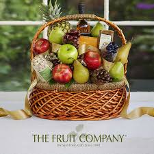 fruit and nut gift baskets the fruit company bountiful harvest gift basket