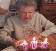 the popular happy birthday mom gifs everyone u0027s sharing