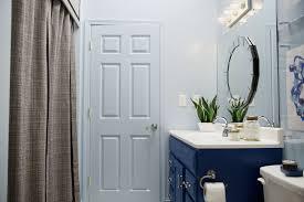 Lowes Bathroom Makeover - a blogger vs builder grade bathroom makeover the makerista