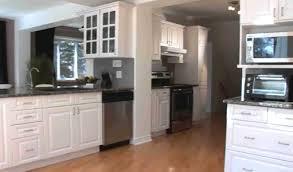 peinturer armoire de cuisine en bois relooker armoire cuisine top armoires avec planches de bois with