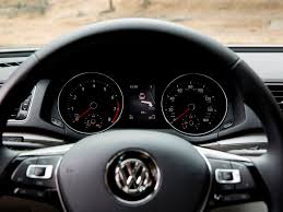 passat volkswagen 2016 2016 volkswagen passat overview speedometer the news wheel