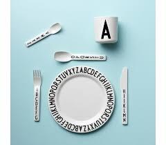 design letters tasse tasse pour enfant mélamine design letters abc arne jacobsen