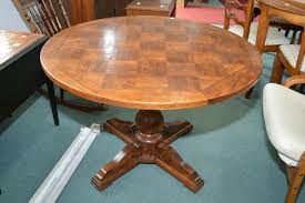 Pedestal Coffee Table Round 40