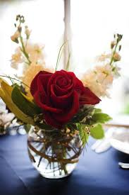 Red And White Centerpieces For Wedding by Best 25 Red Rose Arrangements Ideas On Pinterest Rose