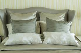 queen bed pillows top king bed pillows with decorative king and queen bed pillow