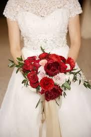 Wedding Flowers Omaha Wedding Essentials Omaha Red Roses Wedding Floral