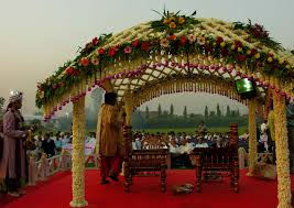 Hindu Wedding Mandap Decorations File Hindumandap Jpg Wikimedia Commons