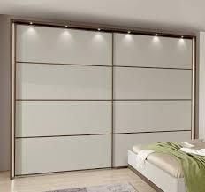 Schlafzimmer Komplett Led Schwebetürenschrank Z B In 250x236 Cm In Cremeweiß Patiala