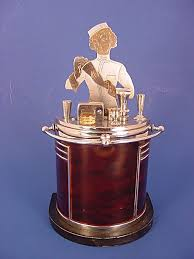 impressive figural deco ronson touch this is a large 7 1 2 ronson touch tip deco lighter in the