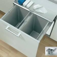 poubelle coulissante cuisine poubelles à tri sélectif de cuisine coulissante ou en inox