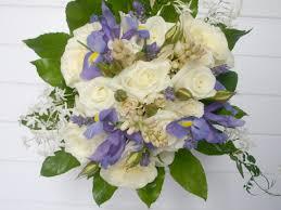 budget wedding flowers cheap wedding flower ideas striking bridal flowers