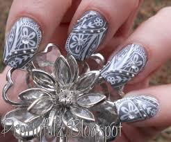 prettyfulz konad nail art cute deco flower nail art design