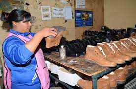 paritaria 2016 imdistria del calzado sector de calzado disminuye su producción noticias tungurahua la