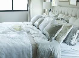 how to place throw pillows on a bed throw pillows for bed decorative with regard to decorations 6