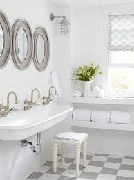 Cottage Style Bathroom Vanities by Best 20 Cottage Style Bathrooms Ideas On Pinterest Cottage