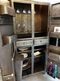 vaisselier mural ancien meubles métal vintage des années 50 u0027 la nouvelle tendance