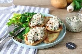 cuisiner maquereau frais tartines monalisa aux rillettes de maquereau fumé la recette de