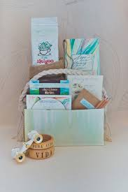 wedding gift bags ideas 10 creative welcome bag ideas gift bag ideas for wedding welcome