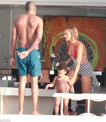 Jay Z Pool Meme - naughty gossip beyonce and jay z strip down and show their beach