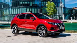 nissan dualis 2017 nissan qashqai facelift goes on sale in the uk still unavailable